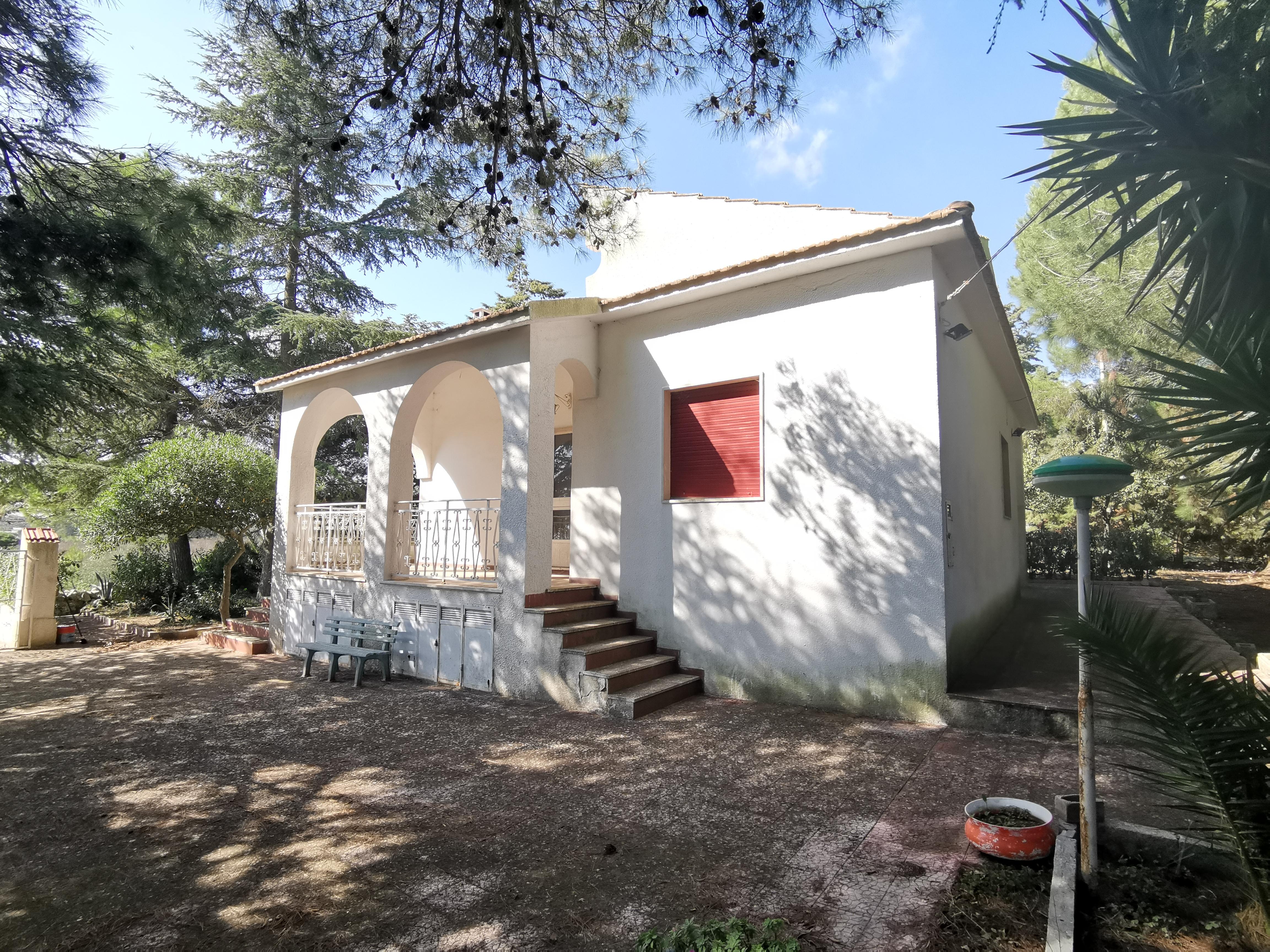 907 – Villa – C.da Gianfelice – Martina Franca