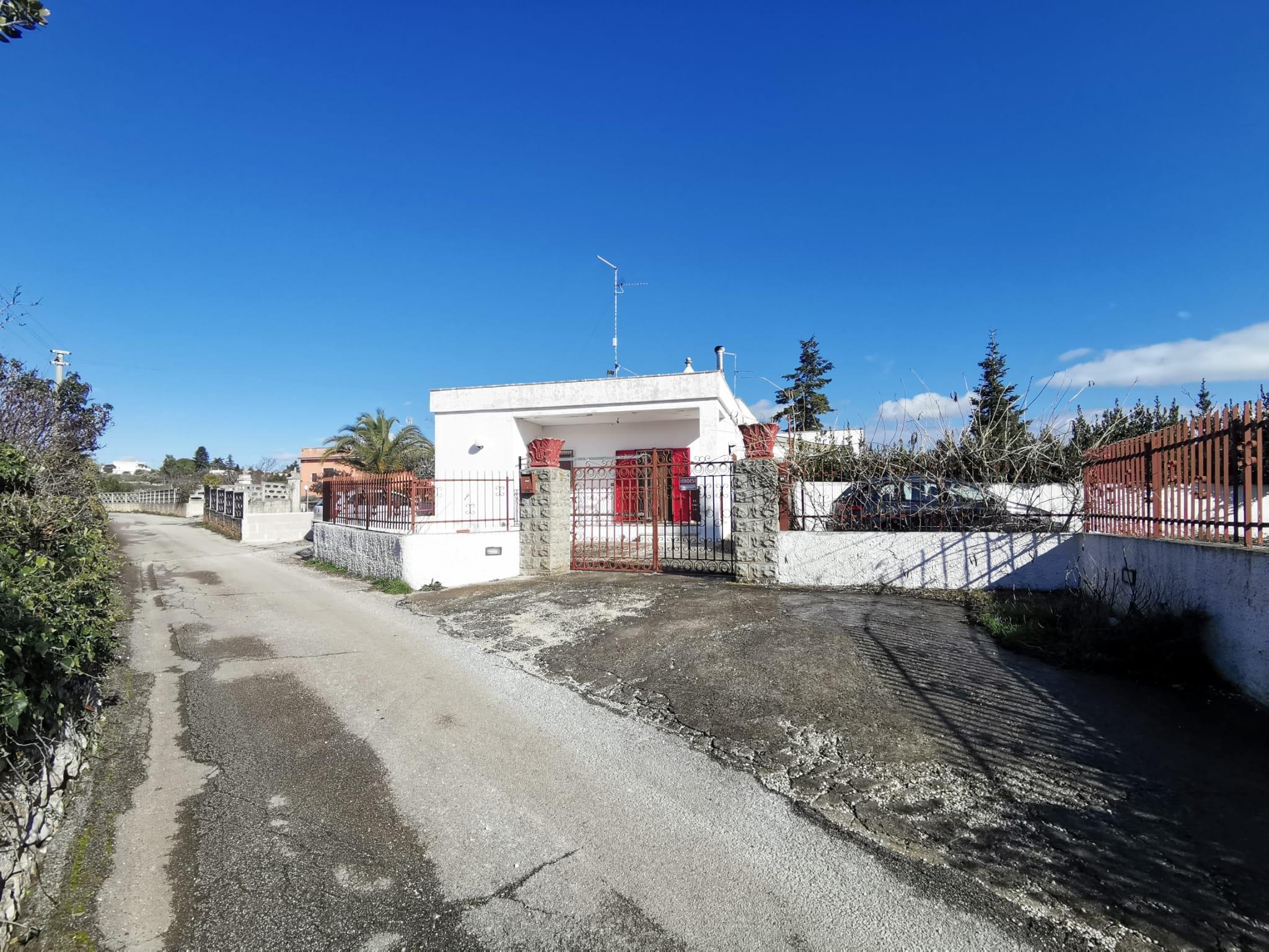905 – Villa – via Madonna del Rosario – Martina Franca